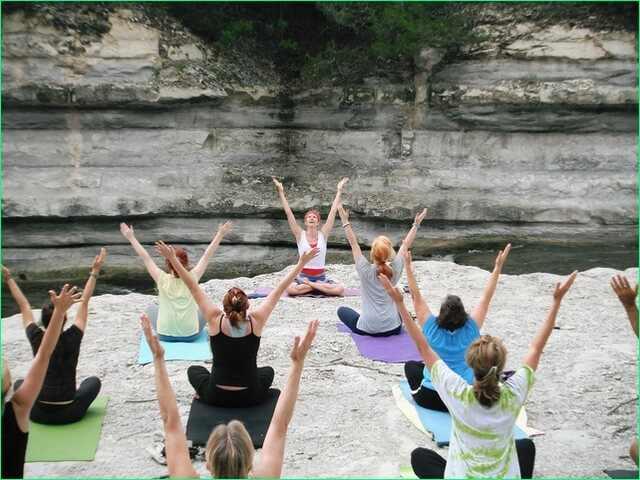 инструктор по йоге - женская профессия